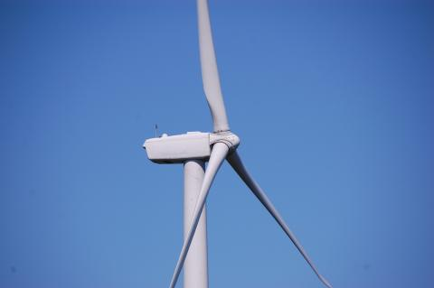 http://glengarry247.com/glengarry247/sites/default/files/field/image/WindTurbines (2).jpg